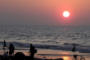 Mingle-Around-the-Beach-with-Locals